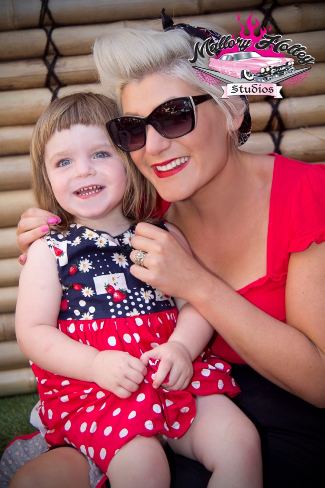 Loretta Lowbrow with her gorgeous daughter Billie enjoying live rockabilly music from The Infernos.
